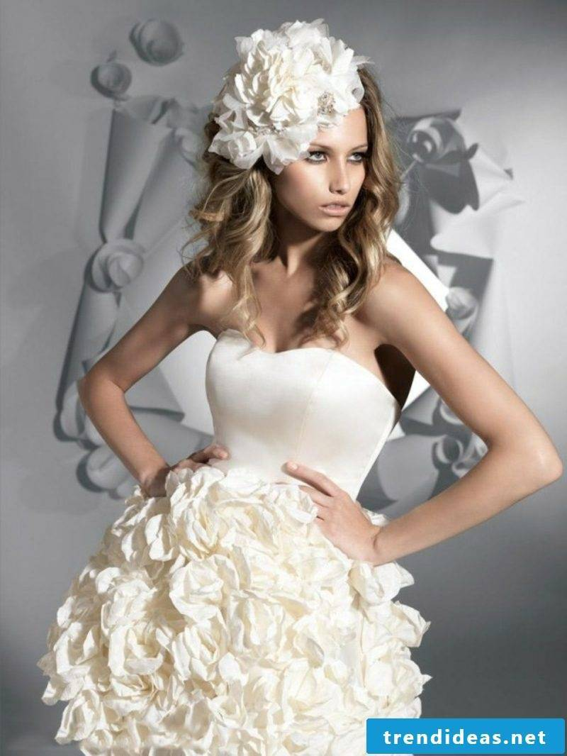 Bridal dress with rich decoration