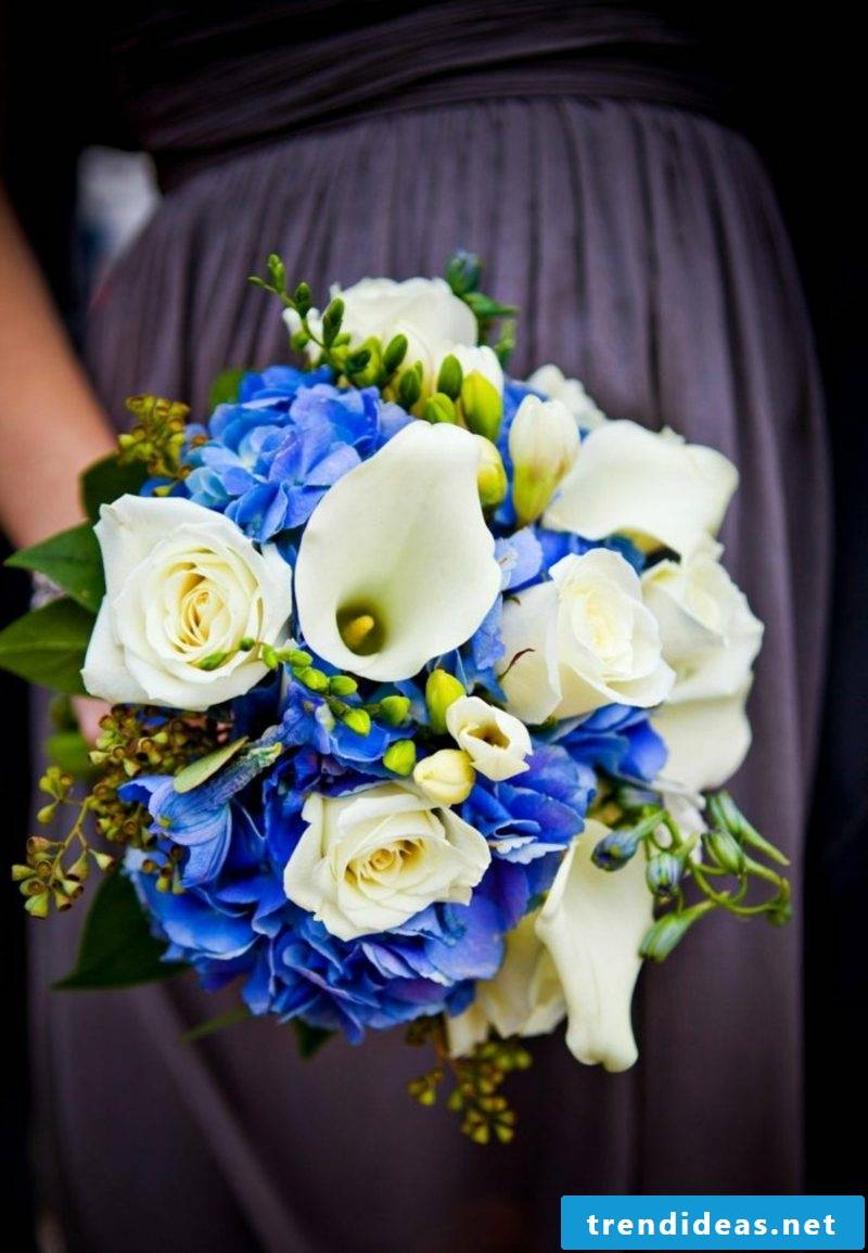Bridal bouquet white and blue
