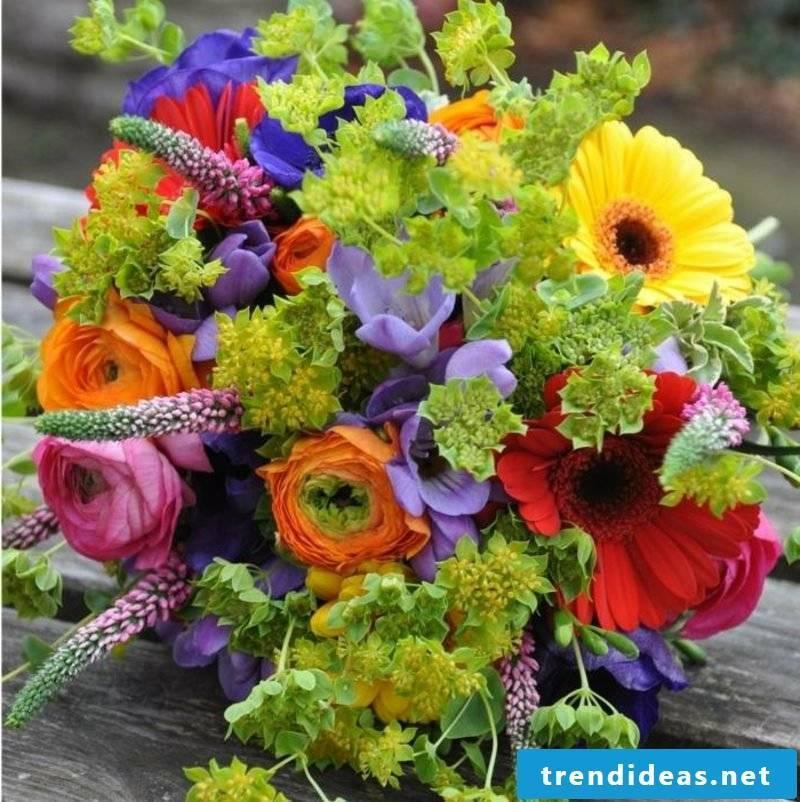 Summer wedding bridal bouquet