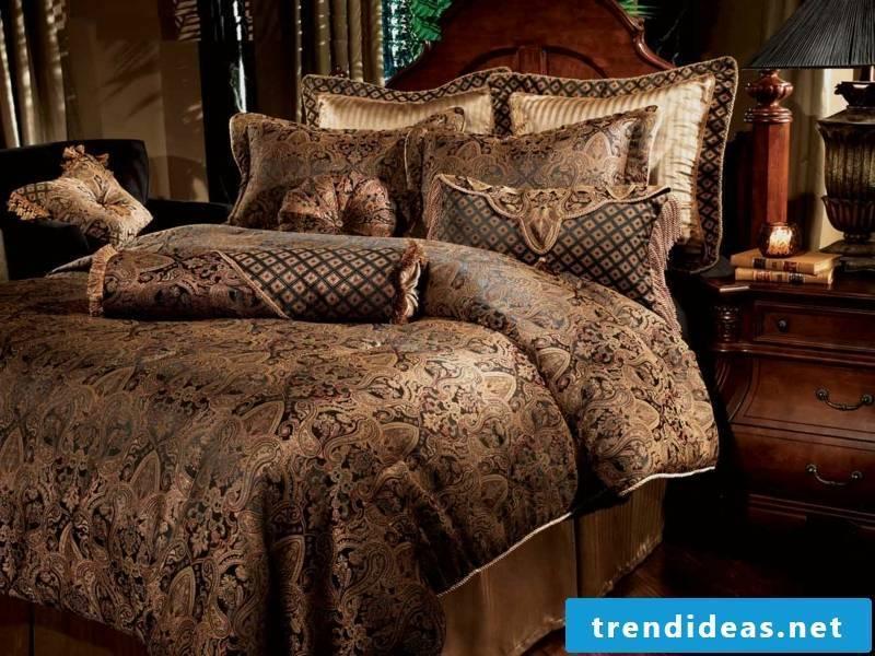 desigenr luxury bed linen in brown nuances