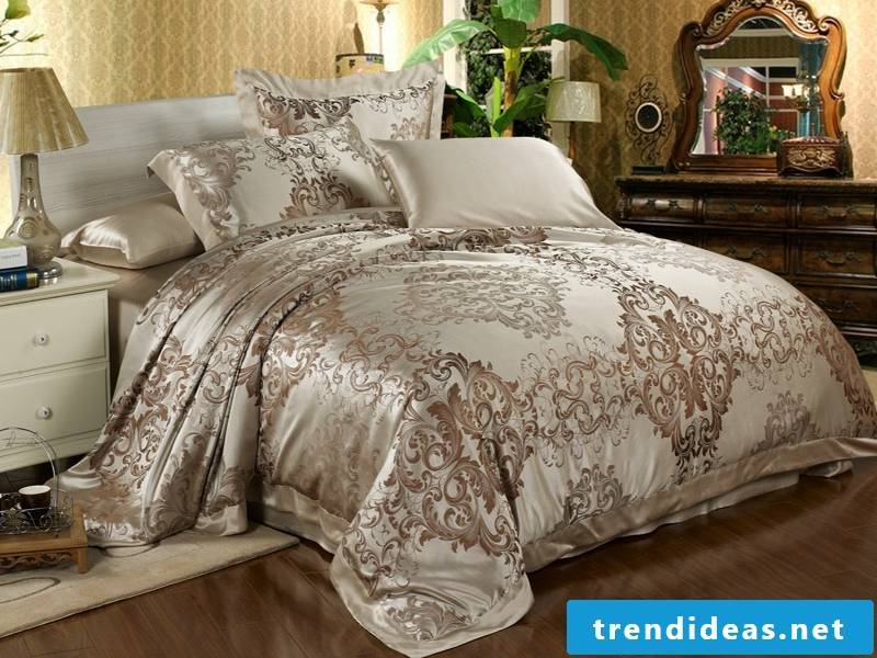 beautiful delicate cree colors on luxury bed linen
