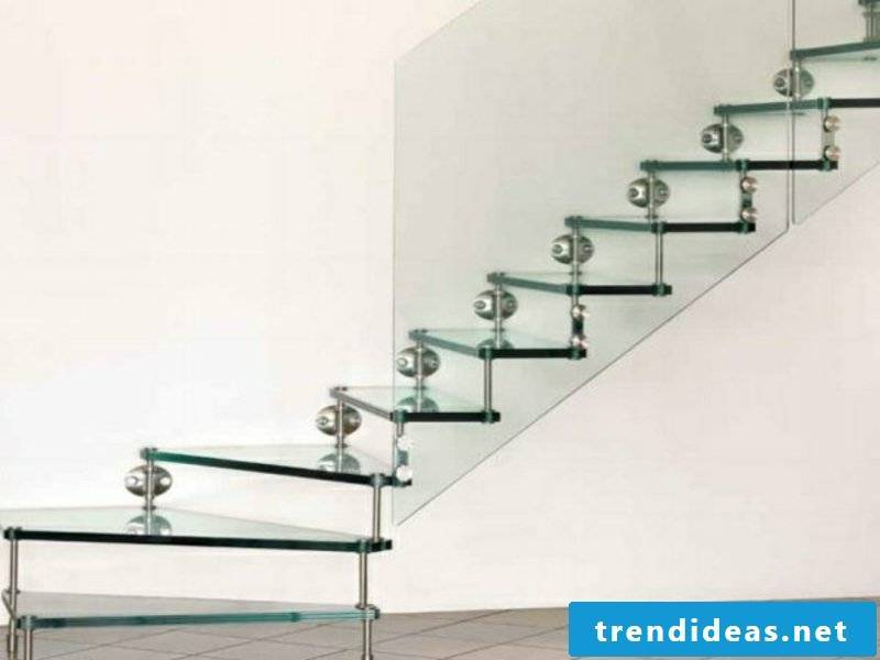 Glass steps with metal elements