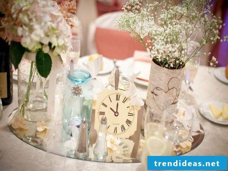 delicate, stunning table decorations