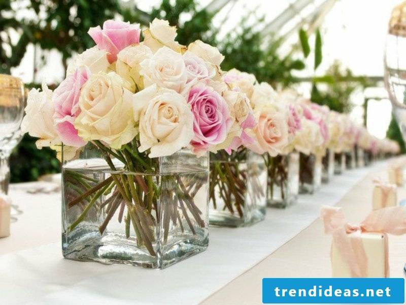 same table decorations with roses