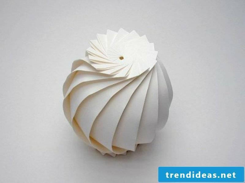 Sized metric origami vase