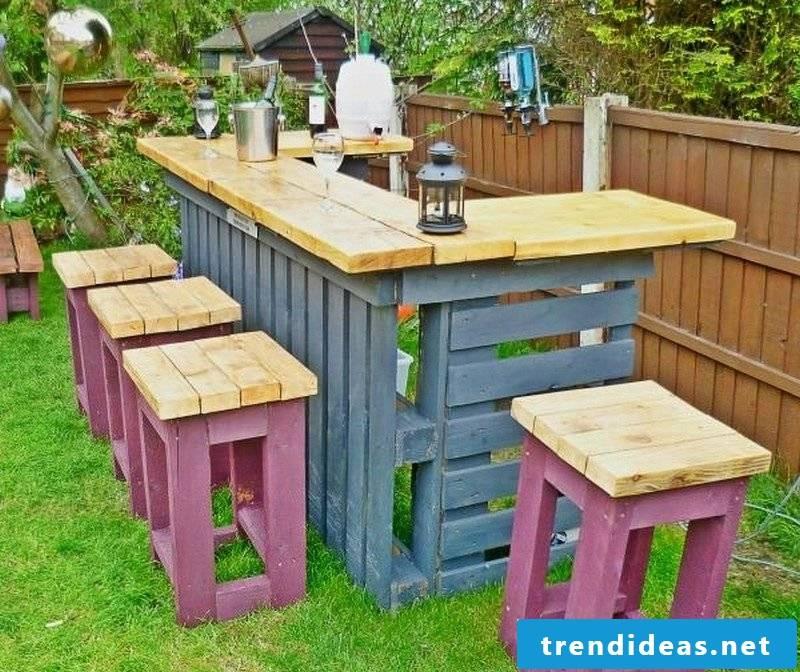 Design garden furniture: DIY idea from pallets