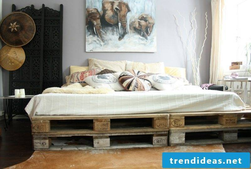 Furniture made of europallets in the bedroom