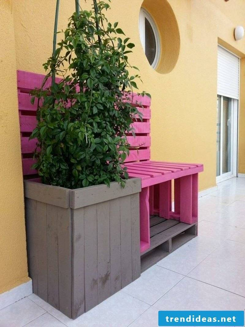 Great ideas for pallet furniture in the garden