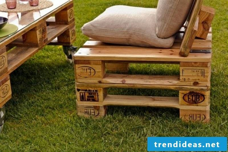 Everything from wooden pallets: Cheap