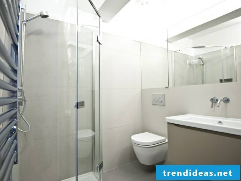 small corner shower in the traumbad