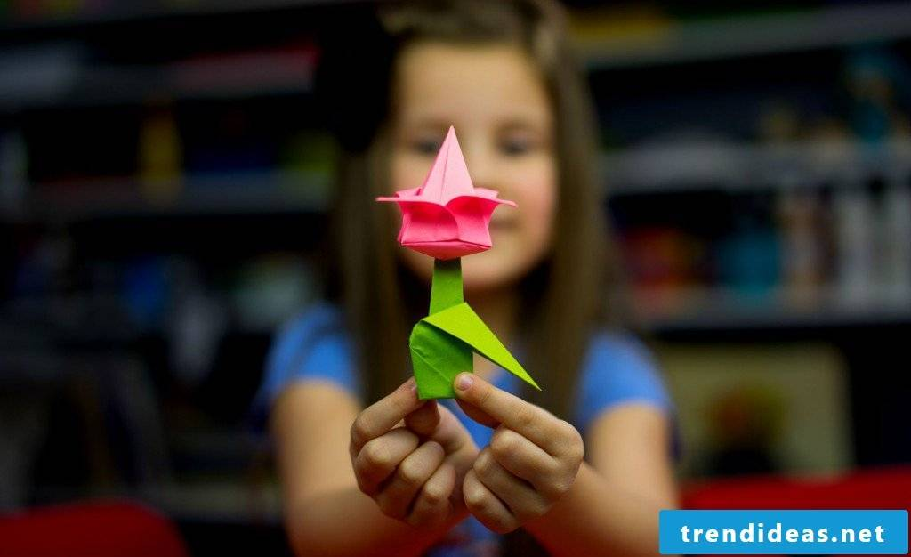 Origami flower tinkering instructions