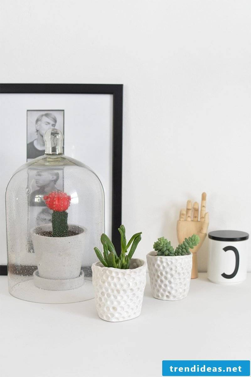 And one last guide from us: make modern DIY flowerpots yourself