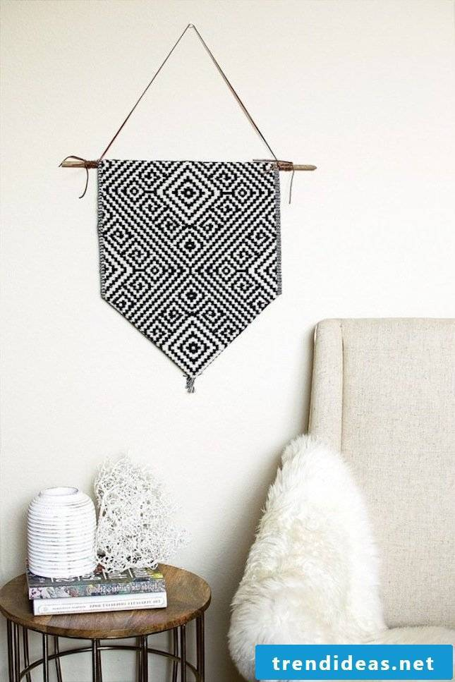 DIY decoration ideas for modern living room: make tapestry yourself