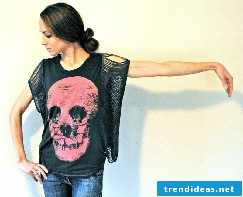 interesting T-shirt with skull
