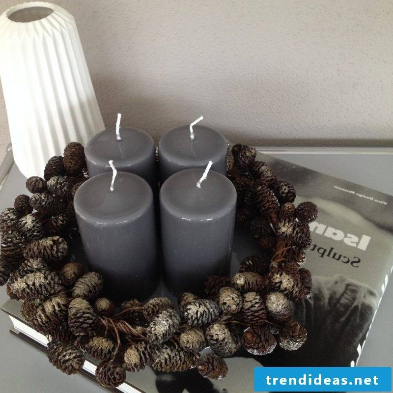 Advent wreath order modern