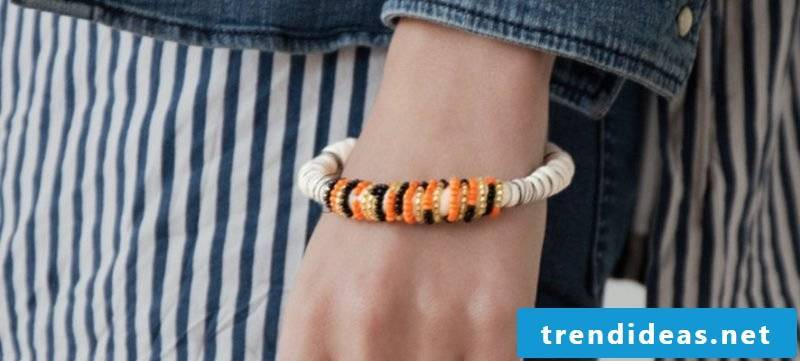 DIY bracelet with pearls