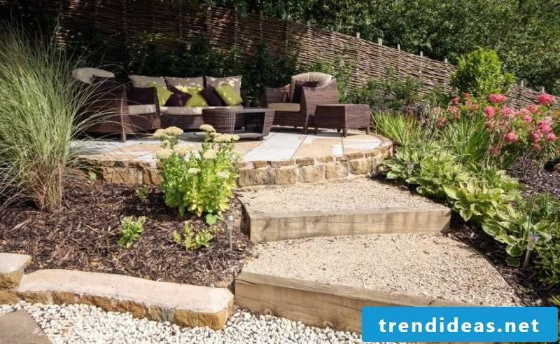 DIY Kisgarten create as a way to sitting area
