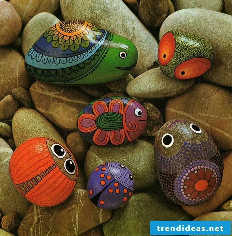 painted stones 6 animals
