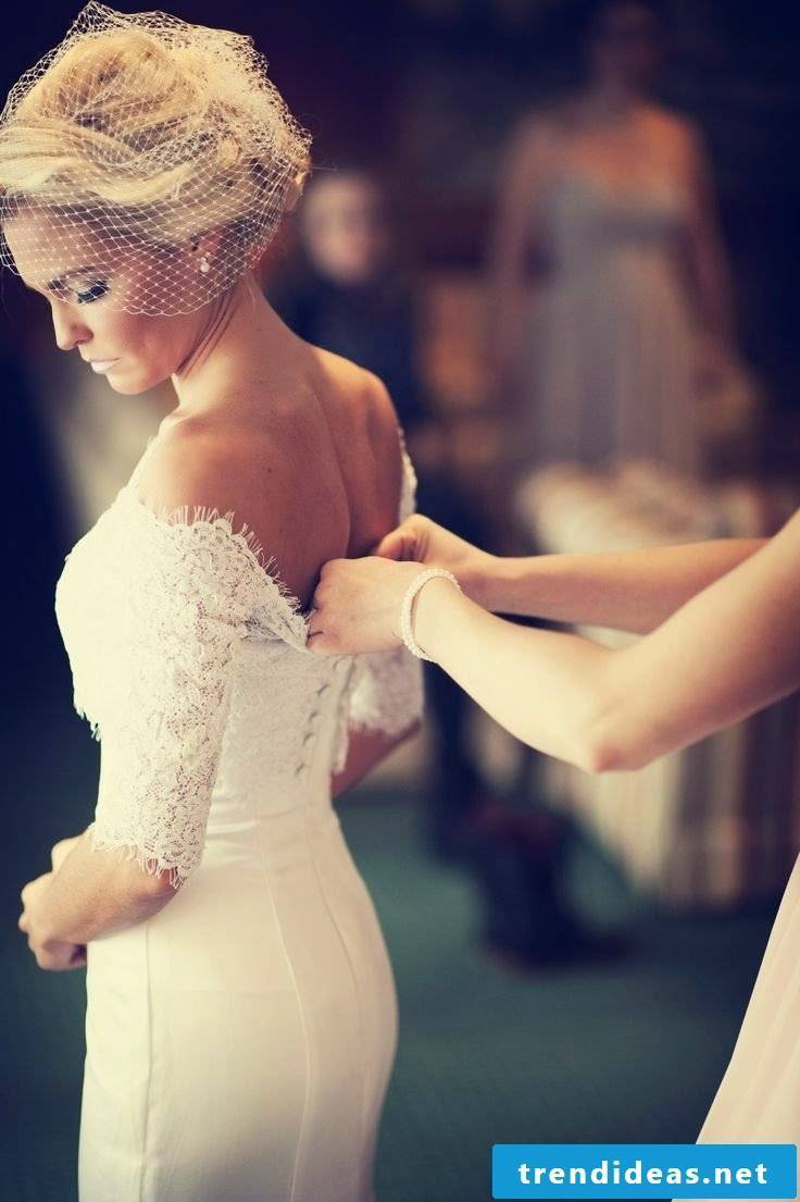 Wedding dress Lace Back - what should we know