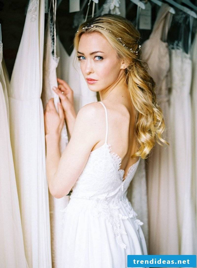 Romantic wedding dress - how to find the dress