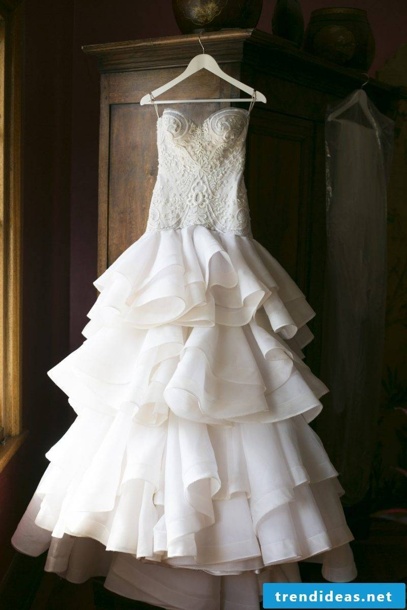How to find the dress for you - wedding dress tips when choosing