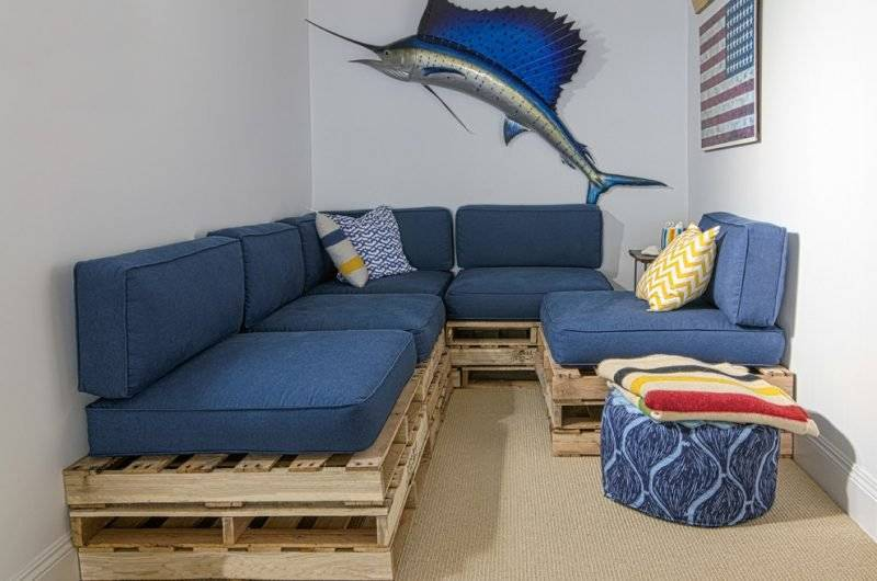 Sofa made of europallets for living room