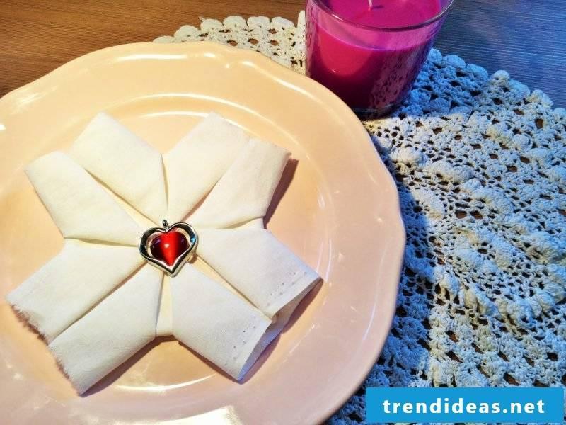 star-napkin wrinkle easily