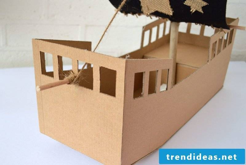 Crafting ideas for children: How to make a pirate ship