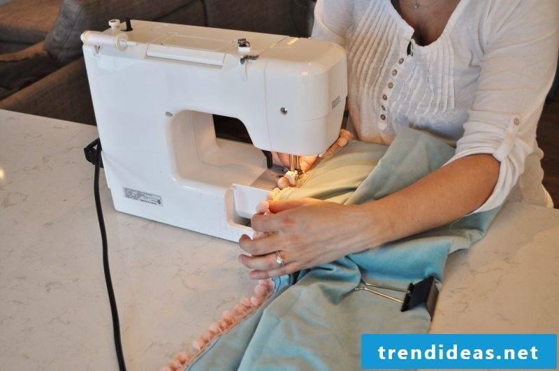 Curtain sew sewing machine