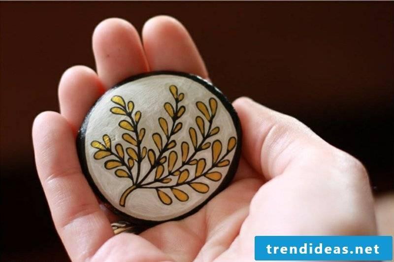 painted stones flower