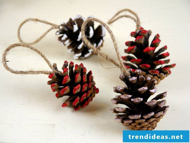 Paint crafts with pine cones