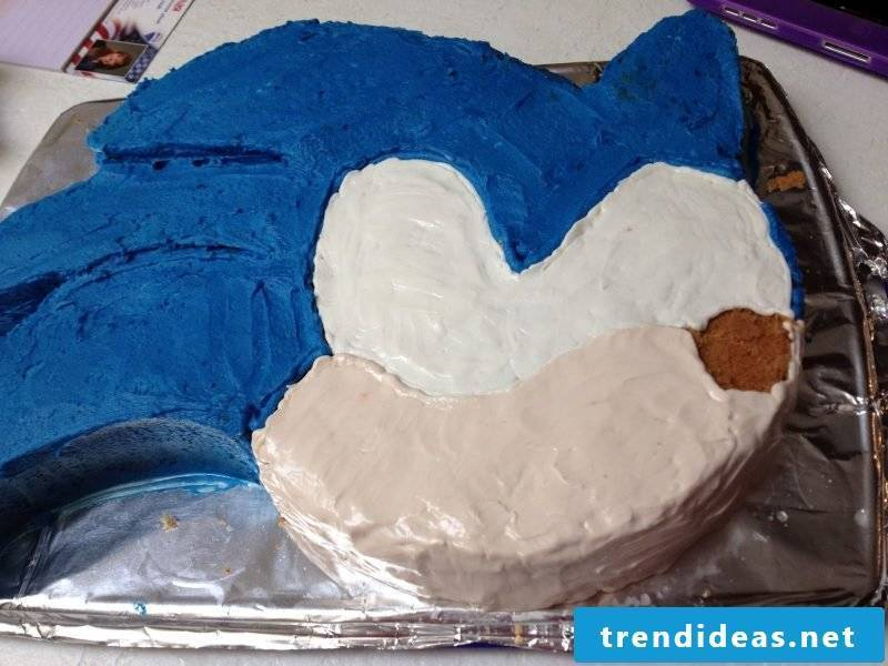 Motif cakes themselves make Sonic pie Step 4