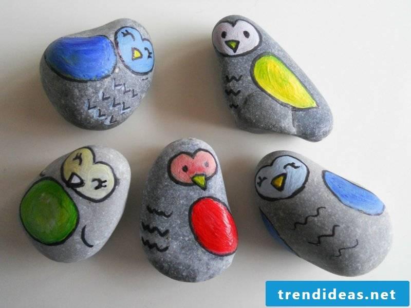 painted stones birds