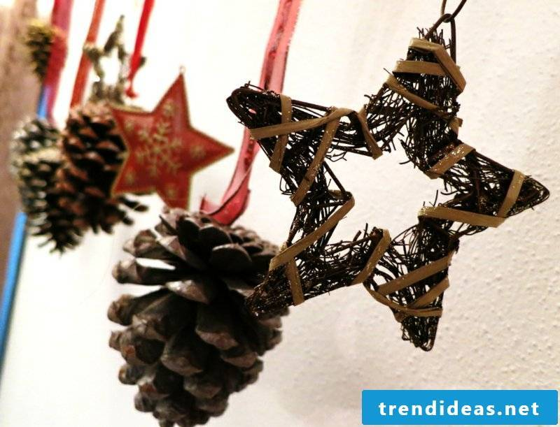 Tinker with pinecone to hang