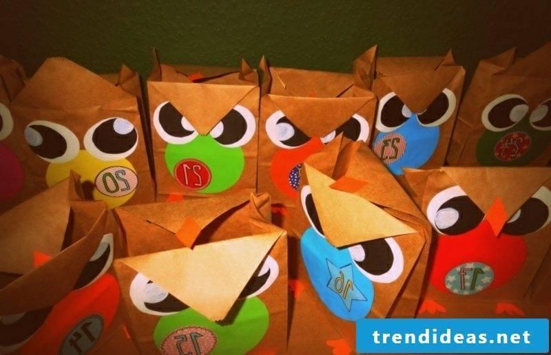 Advent calendar funny paper owls