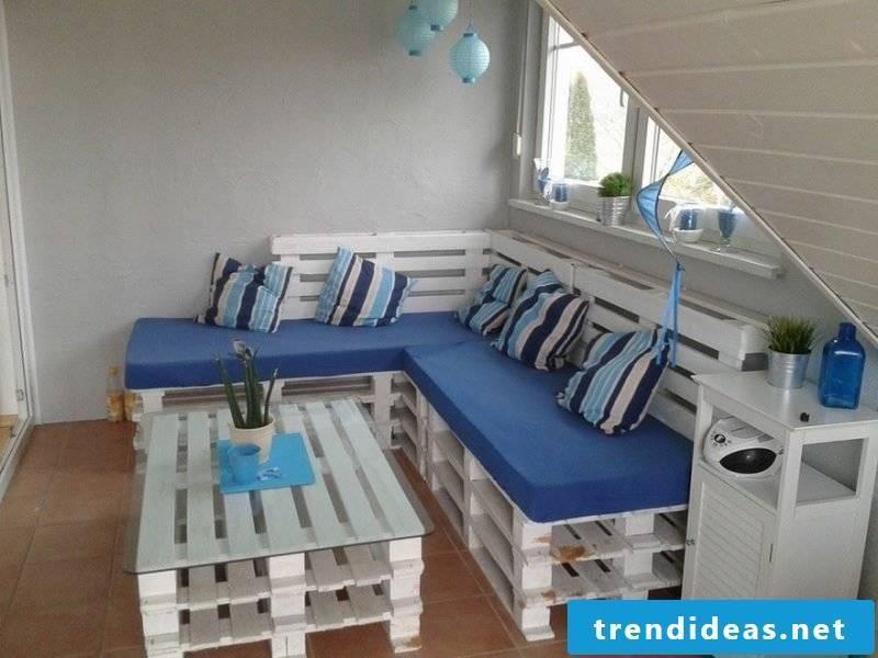 Sofa made of europallets corner sofa