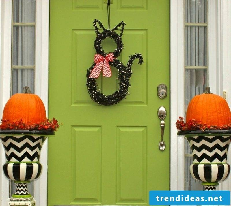 Autumn decoration for the house entrance original DIY ideas