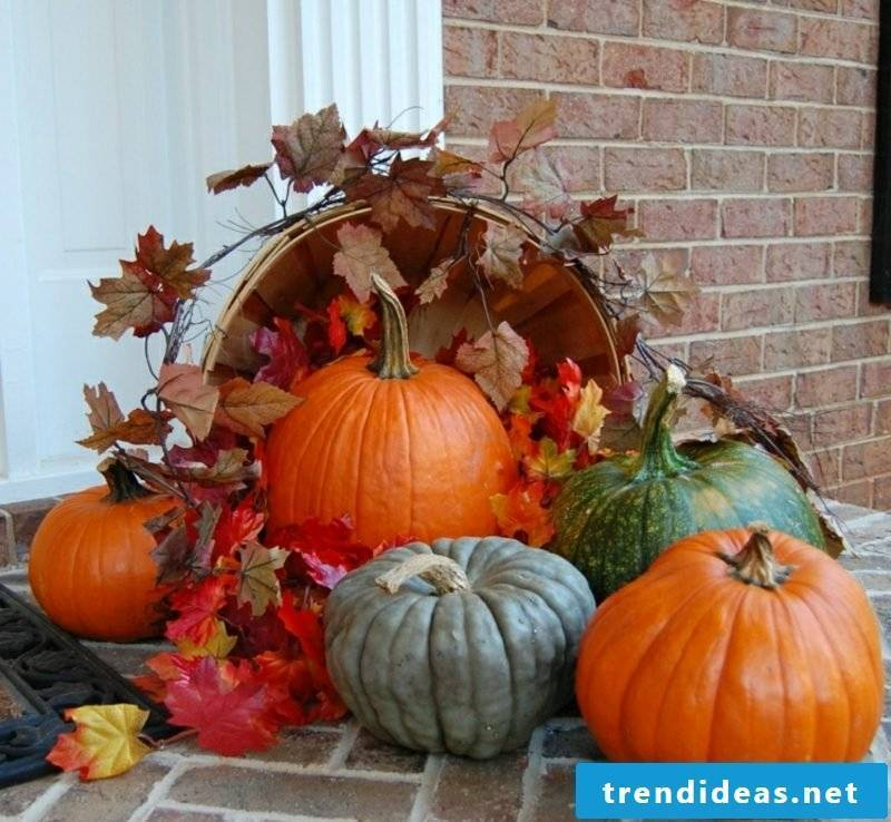 Autumn decoration for the house entrance with natural materials