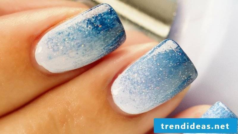 Ombre nails merging colors