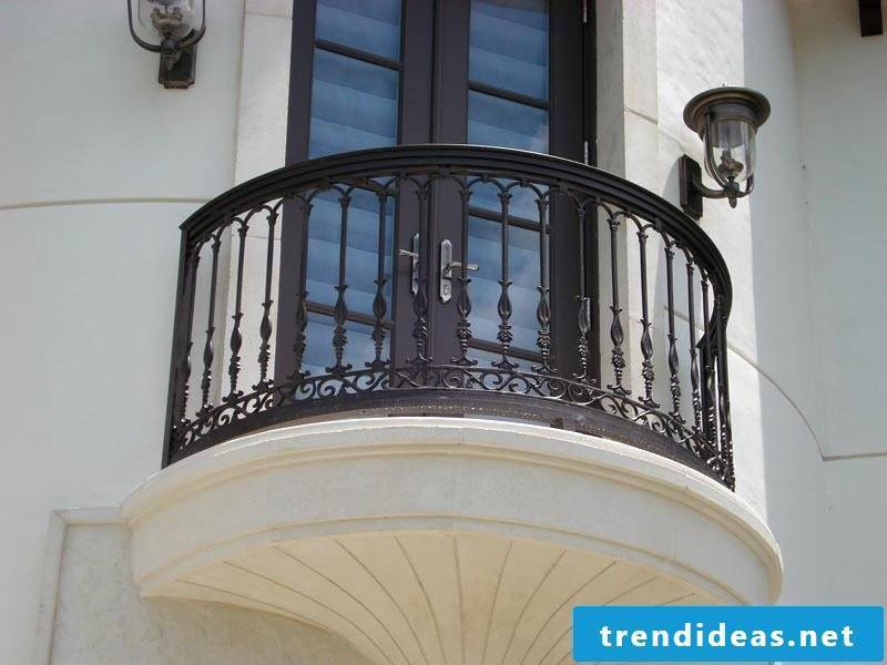 balcony railing interesting