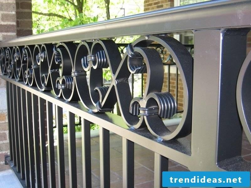 Balcony railing durable