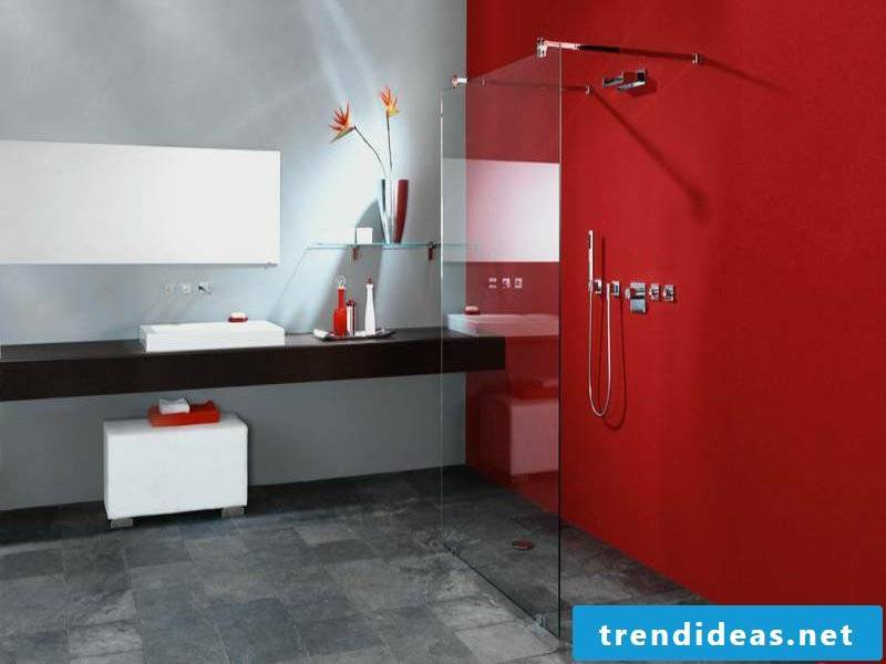 Glass shelf in the bathroom design