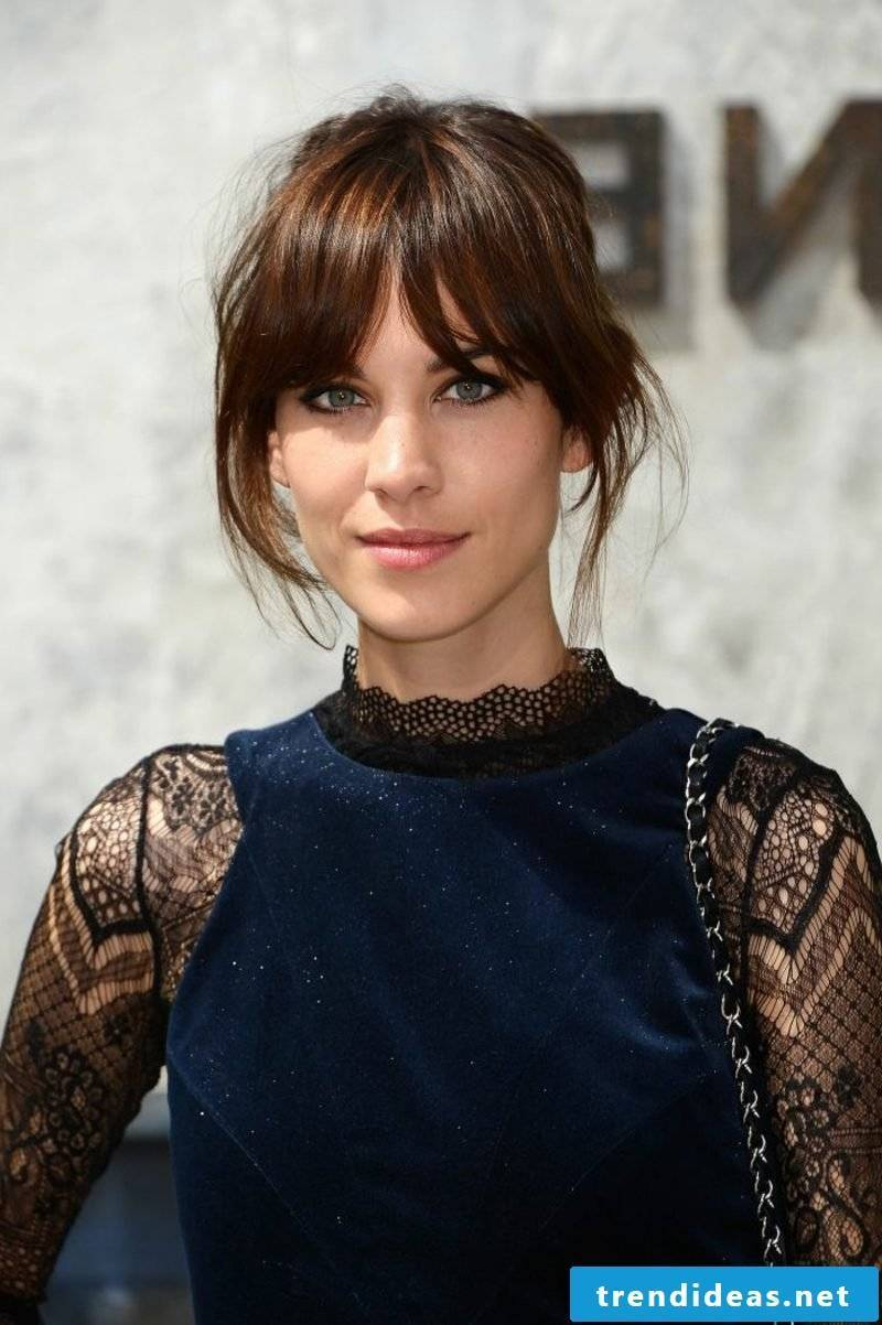 brunette hair falling in the face middle brown Alexa Chung