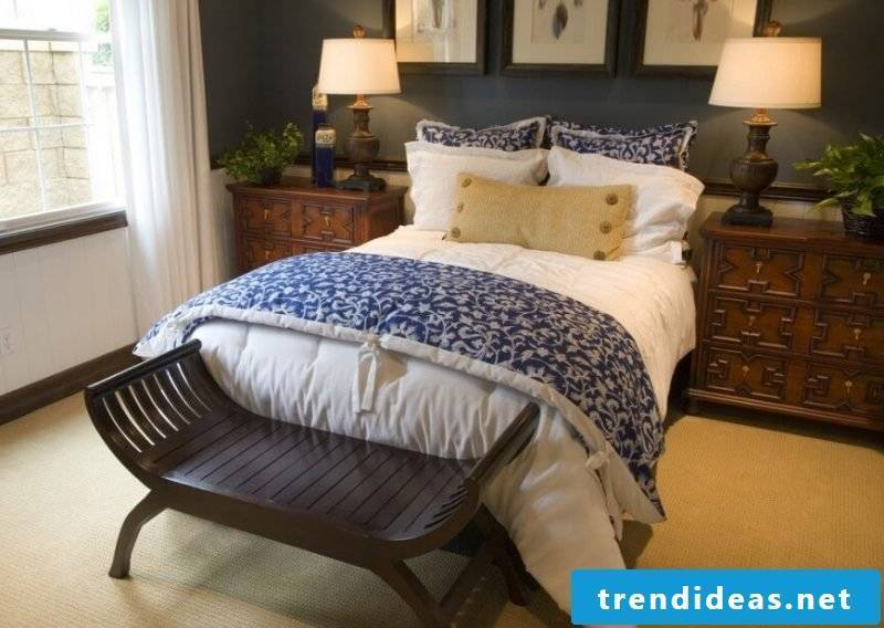 Bed without headboard pillow decoration