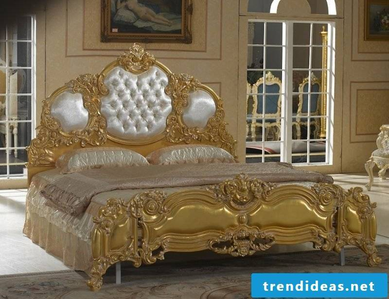Bedroom set up Baroque furniture