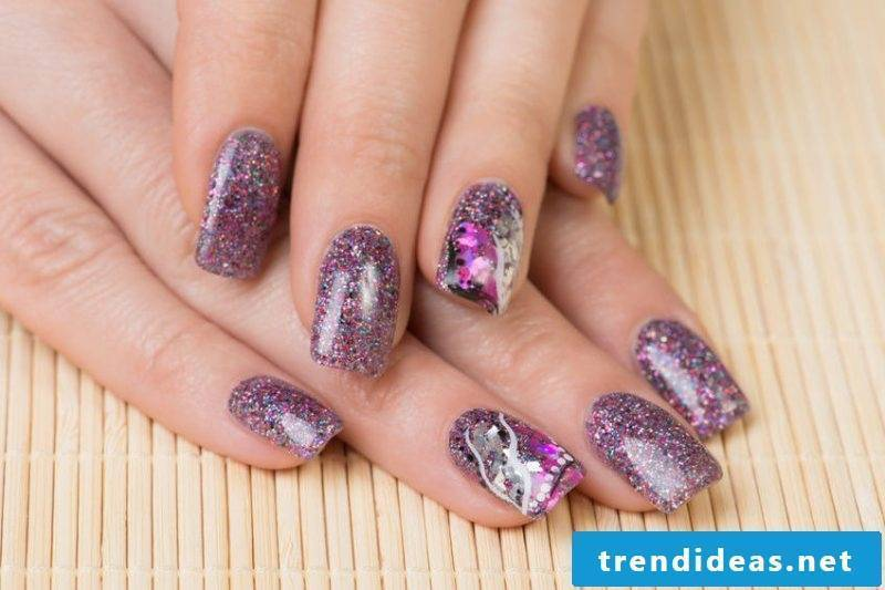 Fingernail design glitter