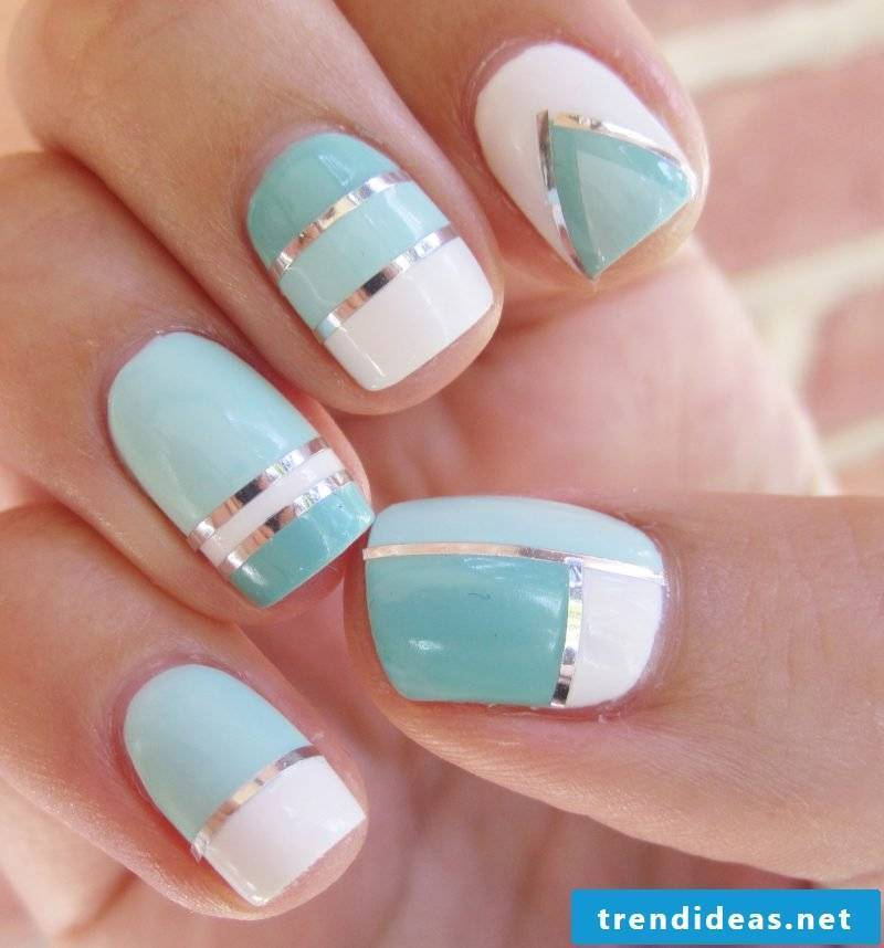 Fingernail design two colors