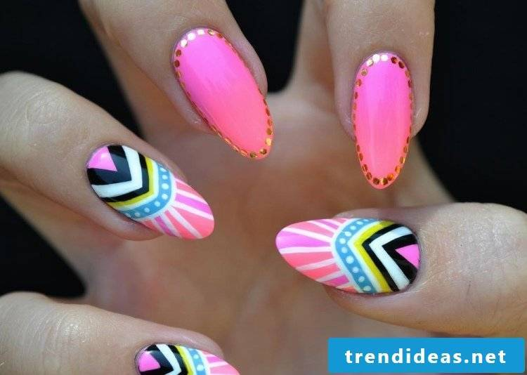 Fingernail Design Colorful