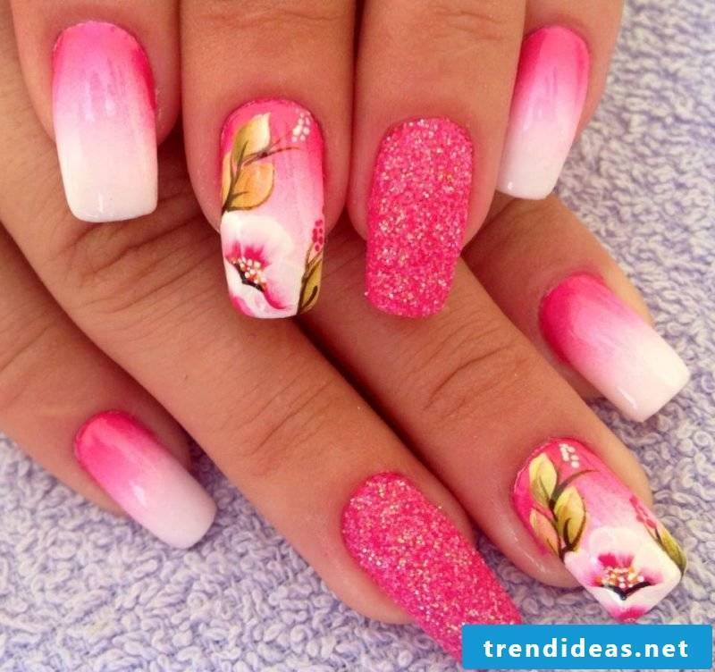 Fingernail design sand