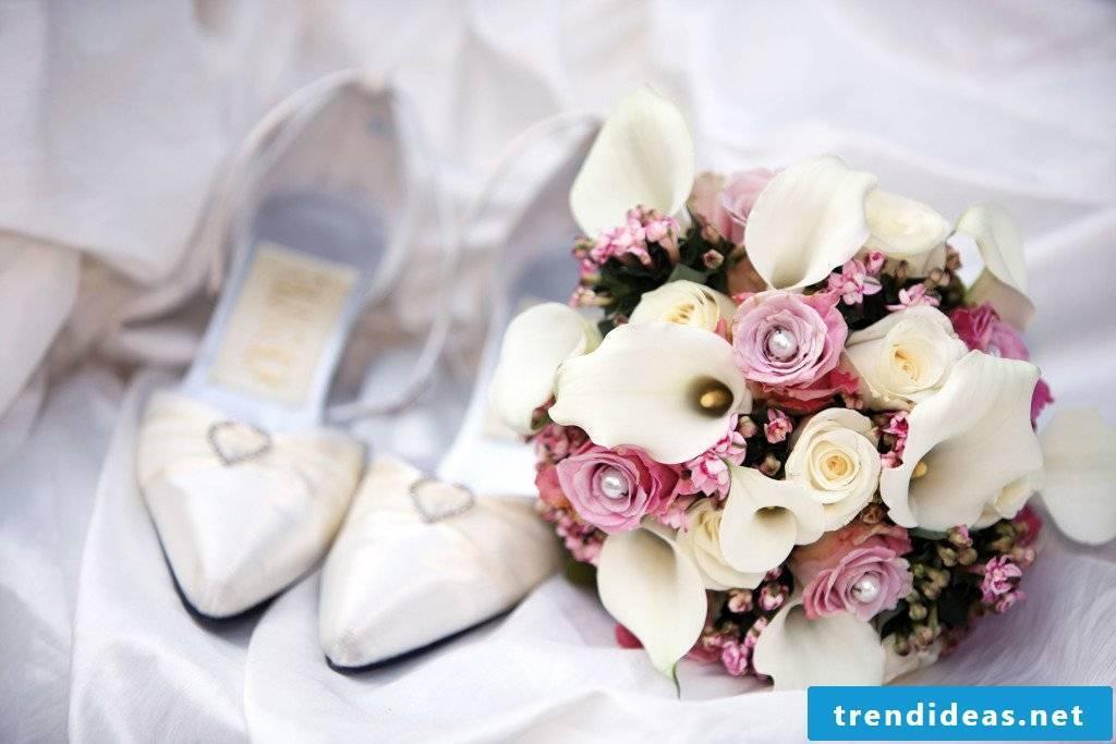 unusual bridal bouquets